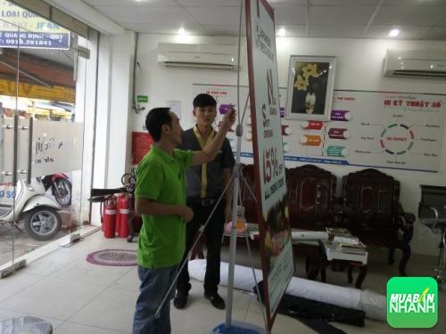 Công ty Quảng Cáo Đẹp chuyên nhận in poster quảng cáo, poster triễn lãm, poster sự kiện,... treo giá standee cao cấp cho mọi công ty, showroom,...